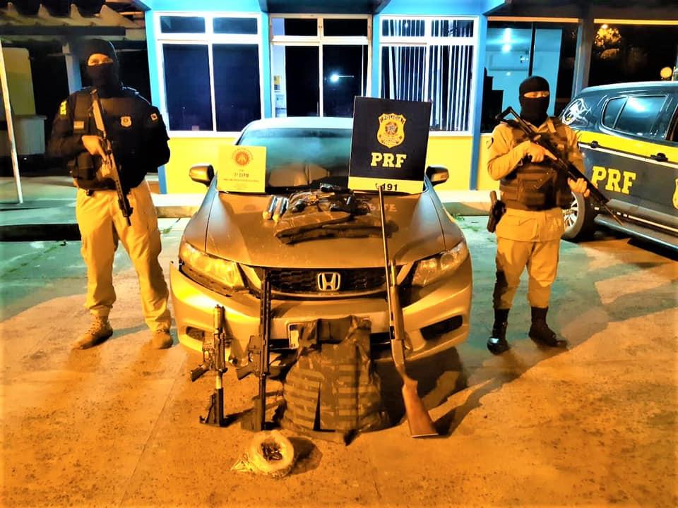 Suspeitos de assalto a banco são presos com arsenal bélico em Itabela 23
